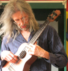 Peter Morgan, Bass Ukulele, Kala U bass